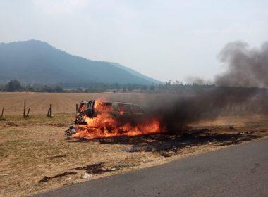 Incineran camioneta PVEM Arantepacua