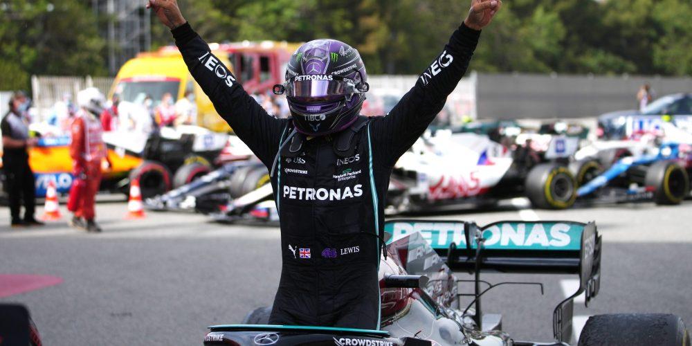 Obtiene Hamilton su victoria número 98