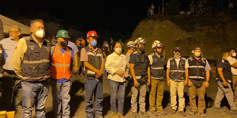Rescatan los 7 cuerpos de mineros atrapados en Coahuila