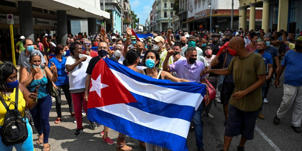 Biden anuncia sanciones contra funcionarios de Cuba