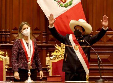 Toma posesión Pedro Castillo como presidente de Perú