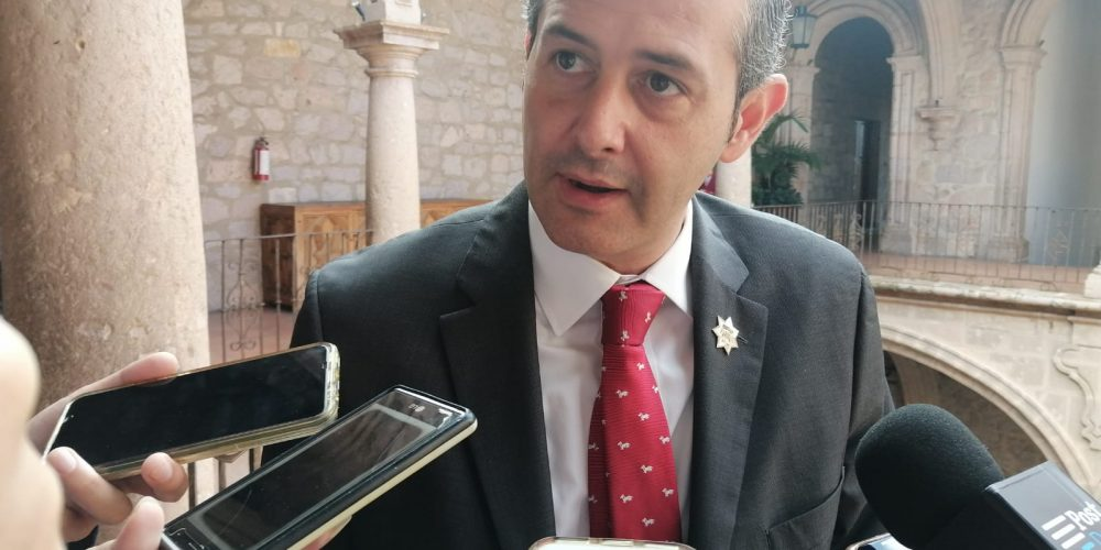 30 mil pesos costó viaje a Colombia de comisionado de seguridad en Morelia