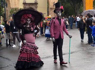 Pese a descontrol que en los toritos, continúa en pie realización de Desfile de Catrinas