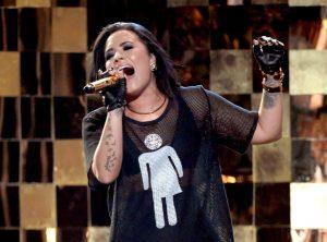 Demi Lovato señala que juego fomenta estereotipos en los niños