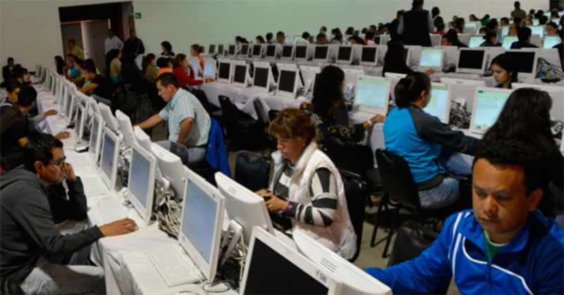 """Palomearan"""" plazas dirigencias del SNTE y la CNTE"""