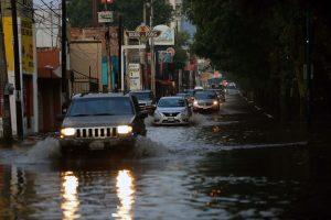 Sí hubo daños a viviendas en colonia de Morelia; presidente se comprometió a apoyarlos