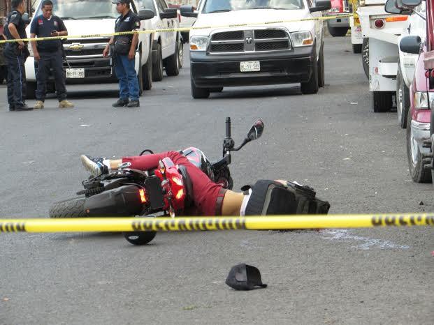 Regidor prohibir personas tripulen moto
